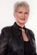 Agent Photo of Dianne McMaster