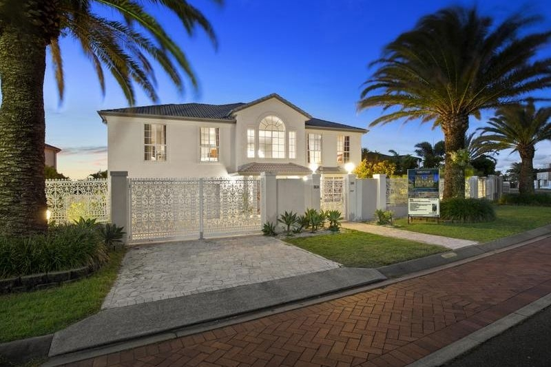 26 THE PENINSULA ,  Sovereign Islands, QLD