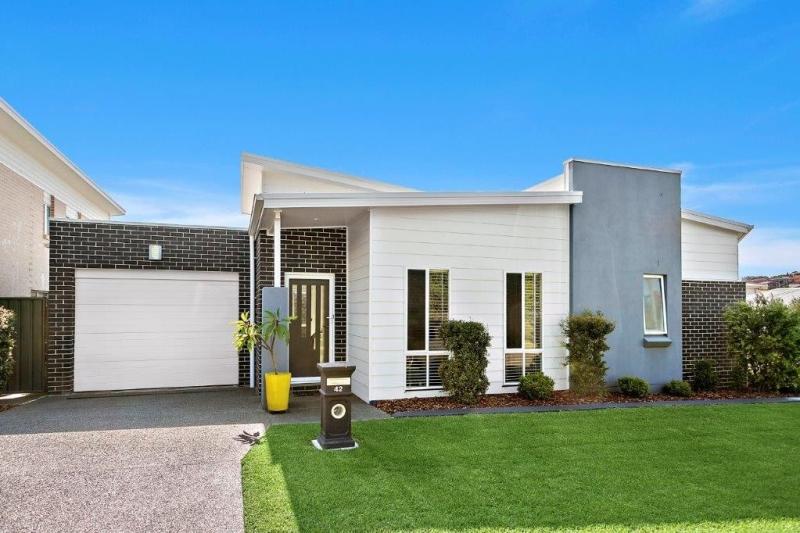 42 DILLON ROAD,  Flinders, NSW