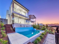 5042 HARBOURVIEW DRIVE ,  HOPE ISLAND, QLD